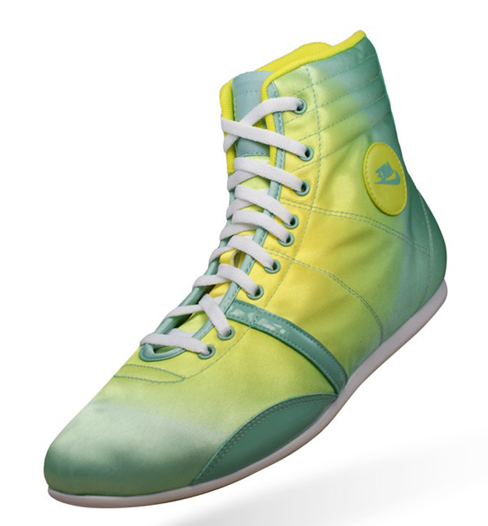 Nike Hijack Mid Womens Trainers Shoes Green At